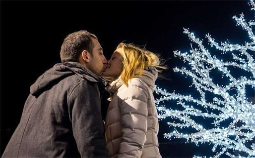 Kissing on the First Date: Know the Rules and the Limits
