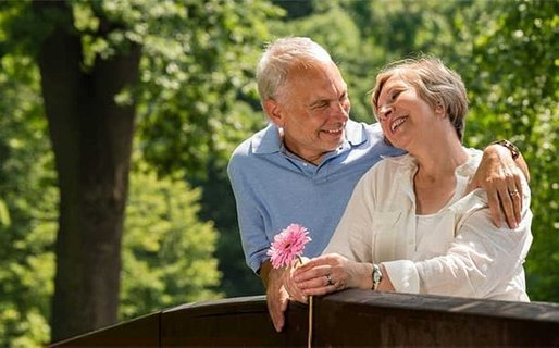 4 First Date Do's and Don'ts for Senior Women