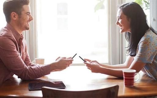 How Should Your Girlfriend Interact Online?