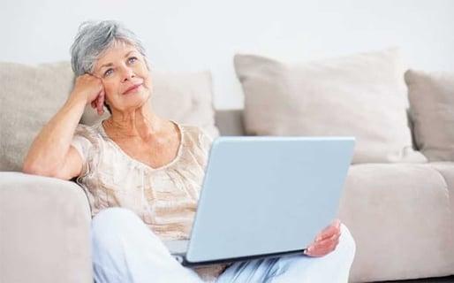 How to Contact Senior Men Online