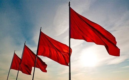 4 Dating Red Flags