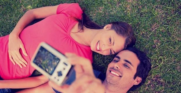 Men More Likely to See Female Friends as Potential Partners