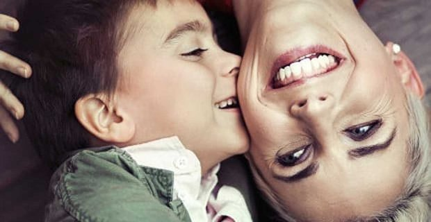 10 Best Dating Blogs For Single Moms