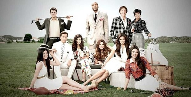 """7 Relationship """"Lessons"""" from the Kardashians"""