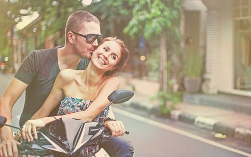 15 (Guaranteed) Ways to Get Him to Chase You