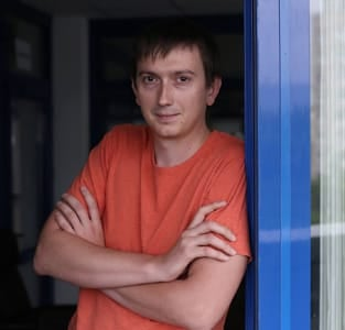Photo of Den Juikov, COO of SkaDate