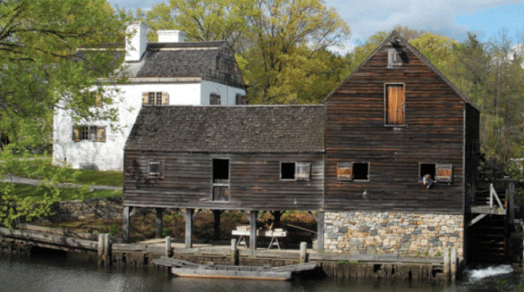 Photo of the gristmill at Philipsburg Manor