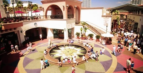 Photo of the Fashion Island Shopping Center