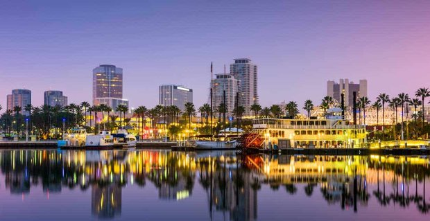 10 Ways to Meet Singles in Long Beach, CA (Dating Guide)
