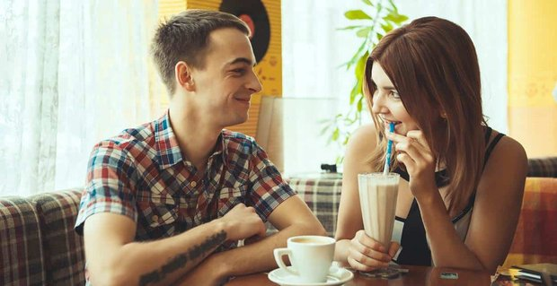 What Should I Not Do While Dating? 6 Tips From an Expert
