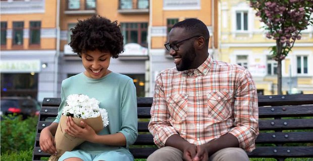7 Basic Dating Tips (From 7 Experts)