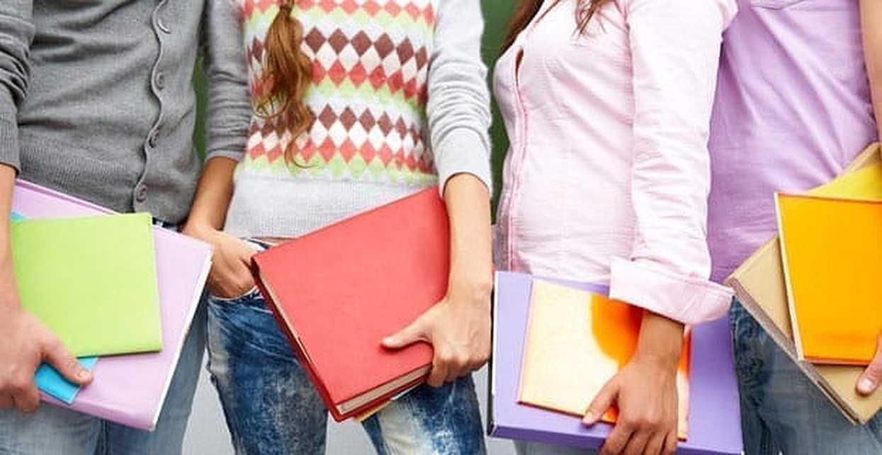 How to Meet Women in College