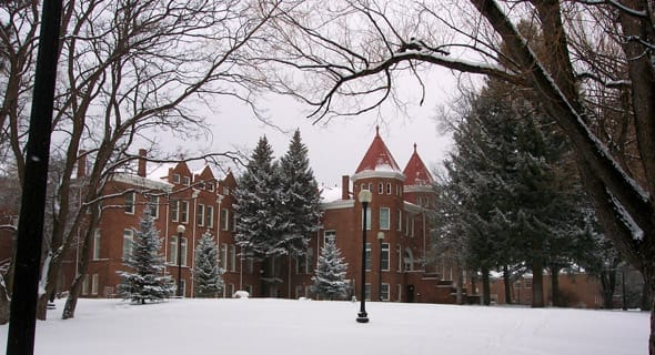 Best College Towns for Dating