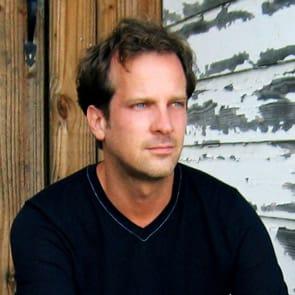Photo of of Simon Perry