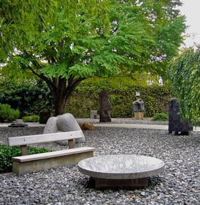 Picture of the Noguchi Museum's sculpture garden
