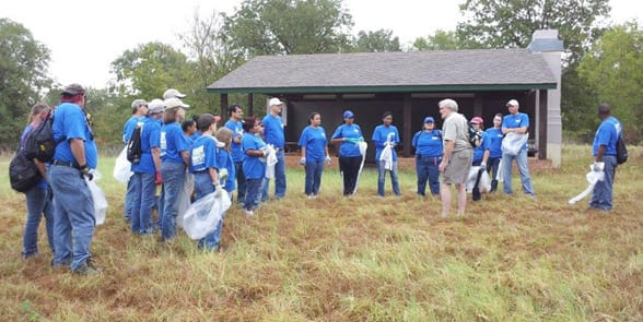 Photo of people volunteering in Fort Worth