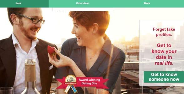 Screenshot of JustAskMeOut's homepage