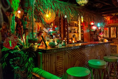 Arnold's Beach Bar & Grill