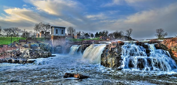 9 Ways to Meet Singles in Sioux Falls, SD (Dating Guide)