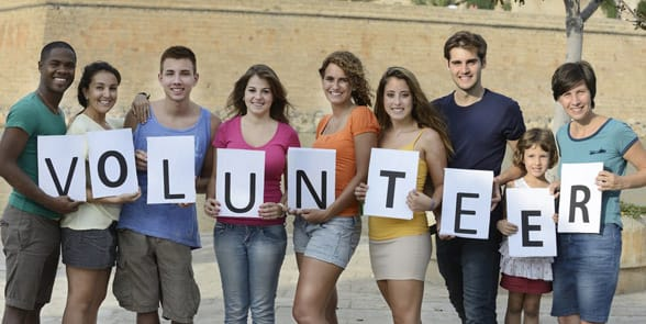 Photo of people volunteering