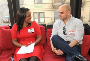 Photo of a speed dating couple at a Chicago First Dates event