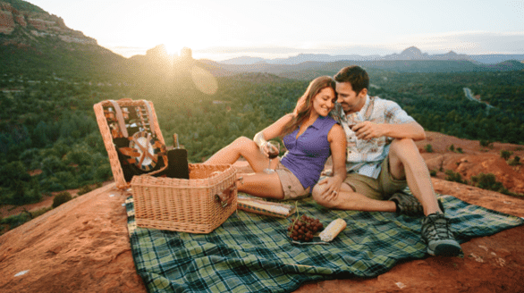 Photo of a couple having a picnic in Sedona, Arizona