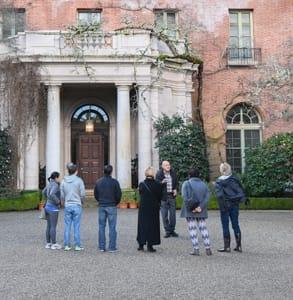 Photo of a Filoli group tour