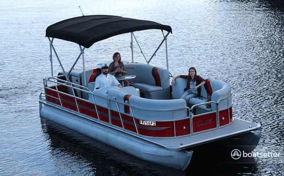 Photo of a Boatsetter pontoon boat