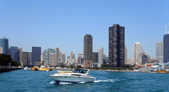 Photo of a Boatsetter boat on Lake Michigan