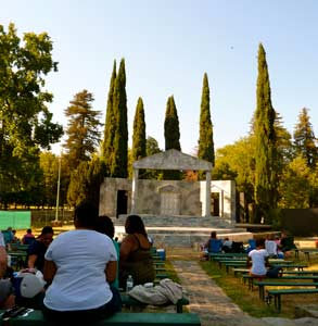 Photo of the Summer Shakespeare Festival in Sacramento