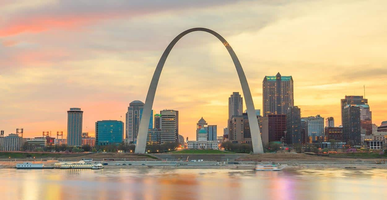 9 Ways to Meet Singles in St. Louis, MO (Dating Guide)