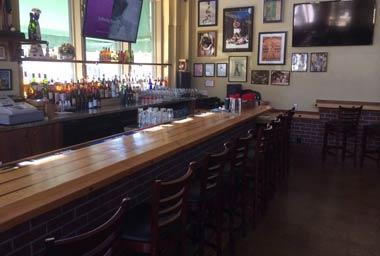 Dubber's Oldtown Bar & Grill