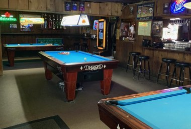 Five Points Sports Bar